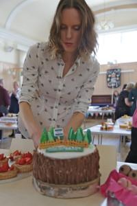 Frances Quinn judging the Big Thame Bake
